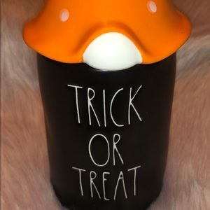 RAE DUNN  |  TRICK OR TREAT Candle with Gnome Top